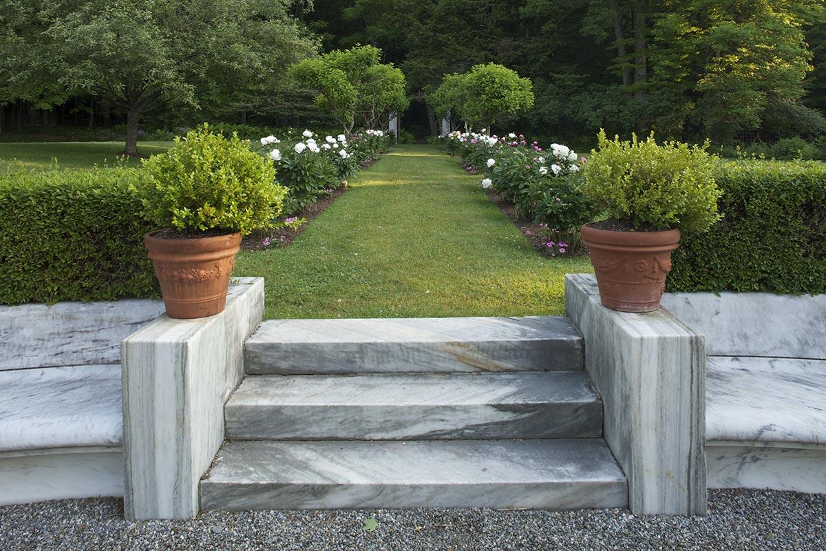 PR Studio garden exedra and allee_web.jpg