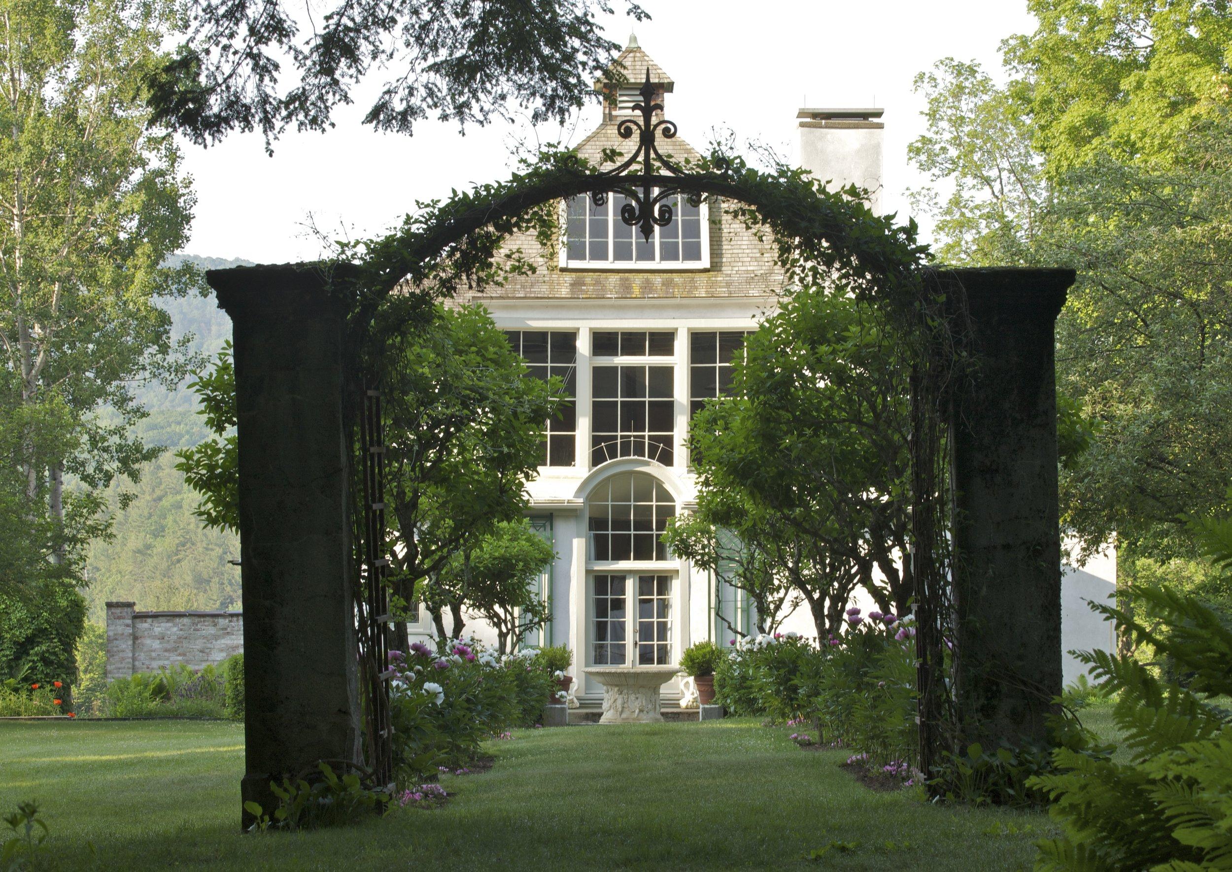 PR Studio garden fountain and archway.jpg
