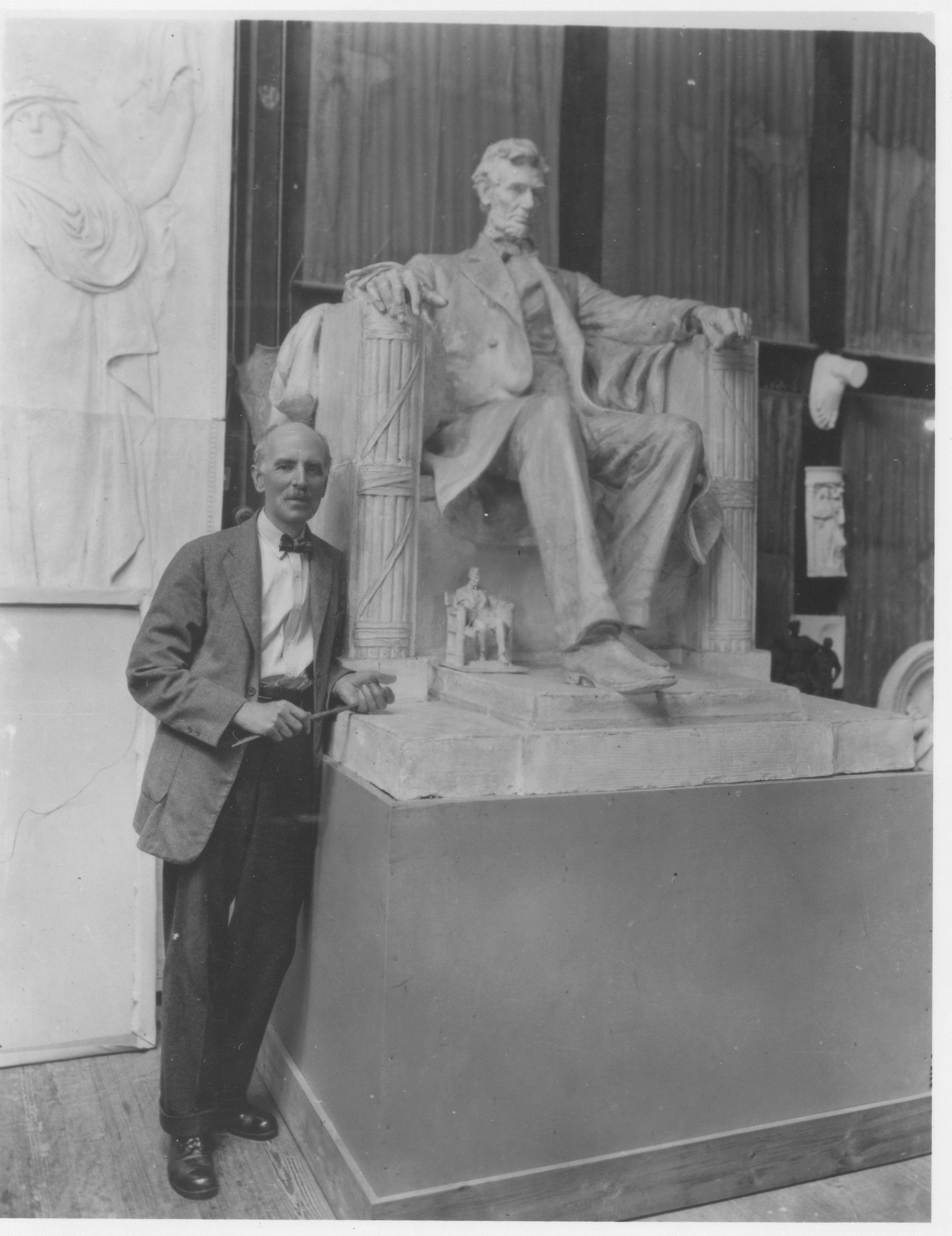 NT73.45.5002 DCF with Lincoln, 1925.jpg