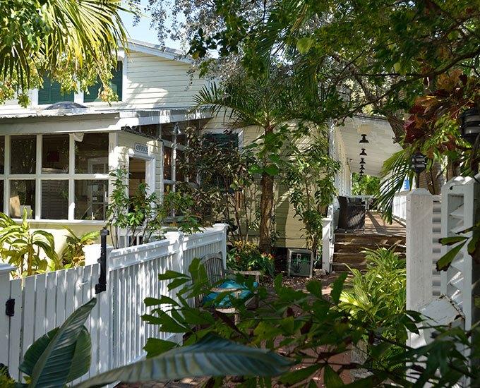 Merlin_Guest_House_Key_West_Garden.jpg