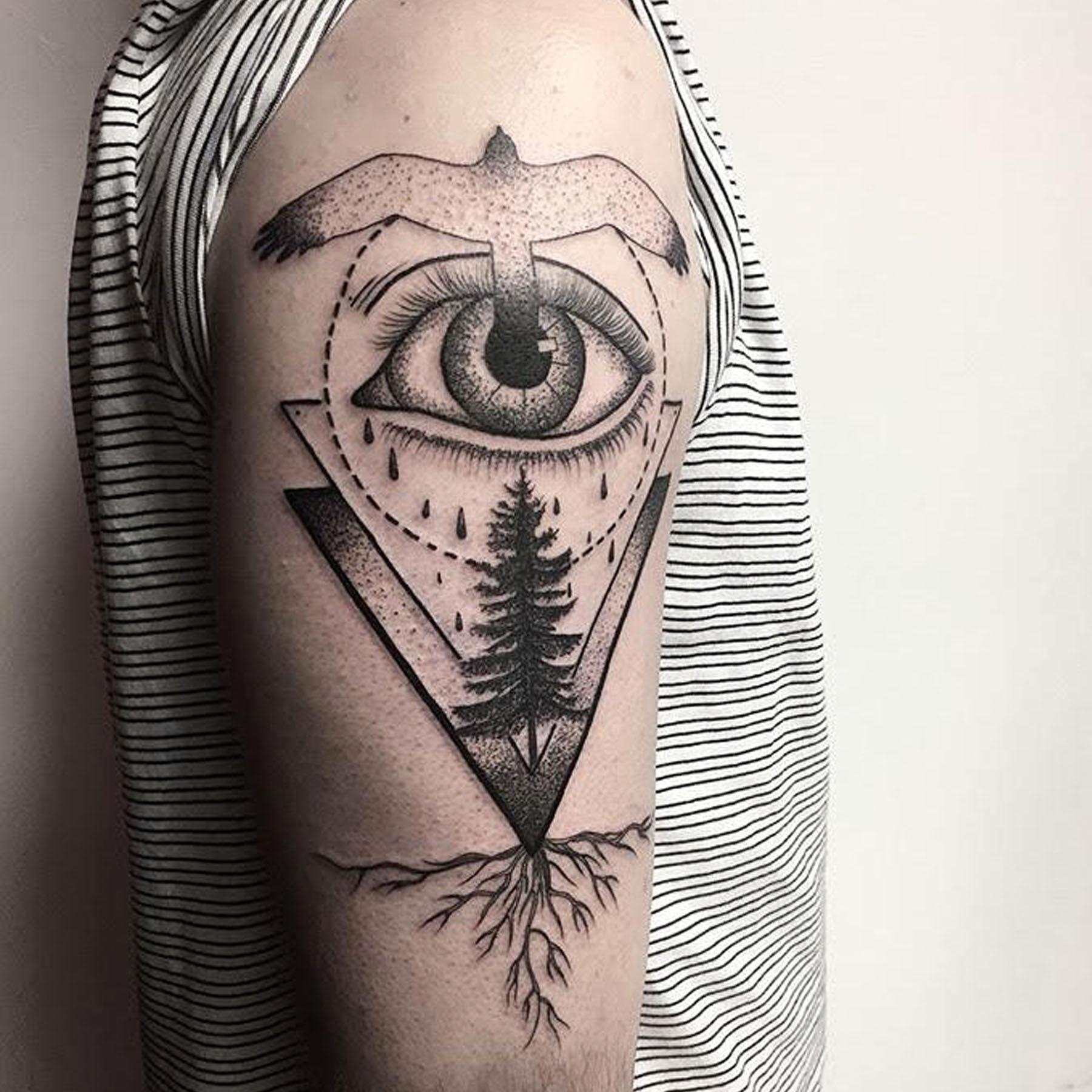 Blackwork tattoo by Sleestak