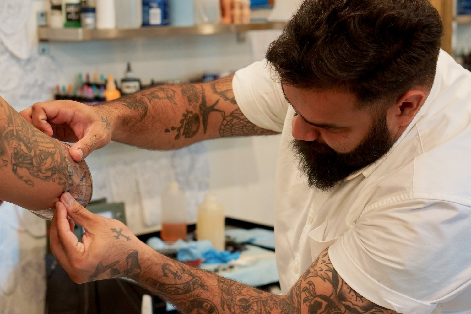 German is a traditional tattoo artist in Toronto. Find him on pick the ink. @germanshible.