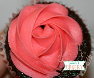 sugar-and-crumbs-raspberry-ripple-chocolate-cupcake
