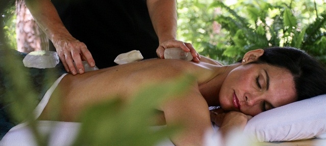 crystal-massage2.jpg