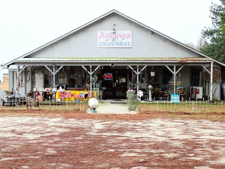 river-landing-north-carolina-things-to-do-heirlooms-riverside-barn-antiques.jpg