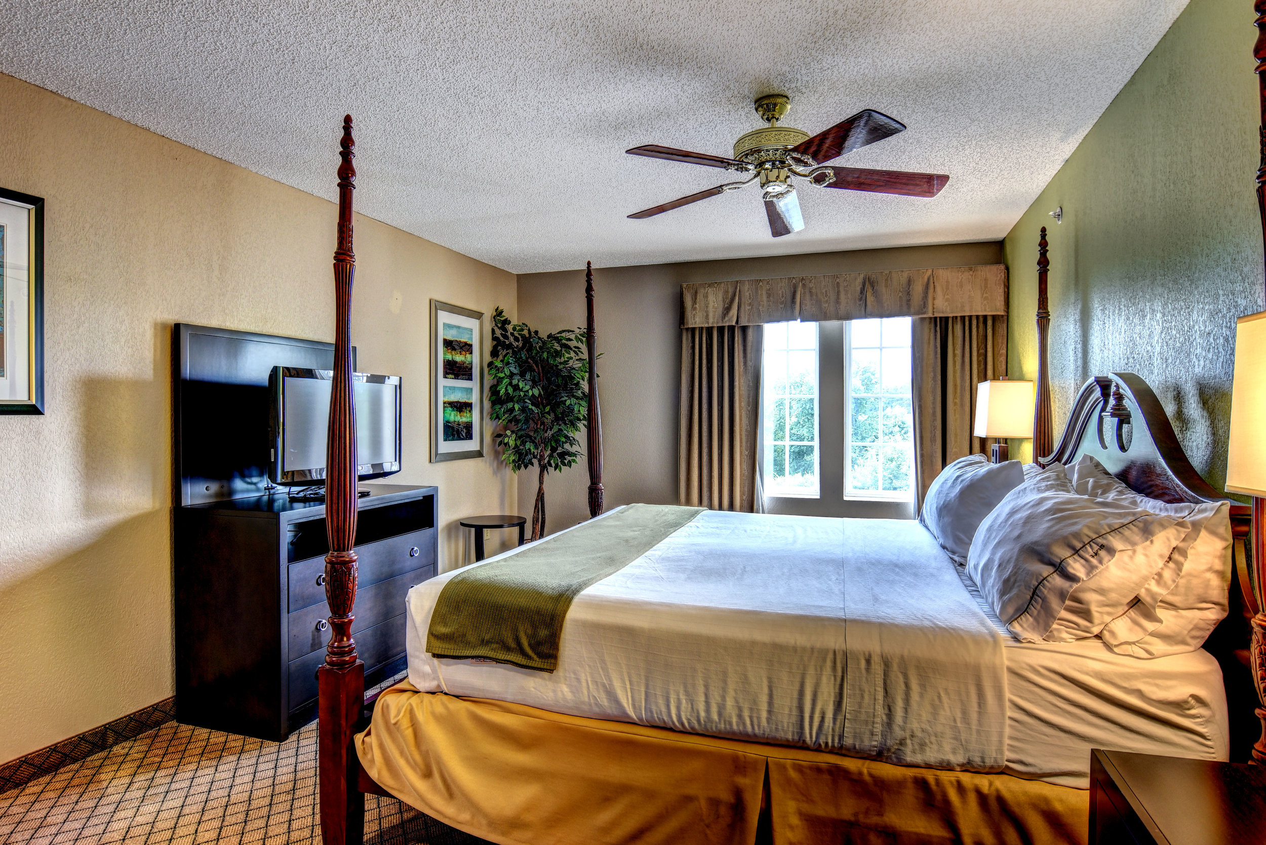 river-landing-wallace-accommodations-holiday-inn-express.jpg