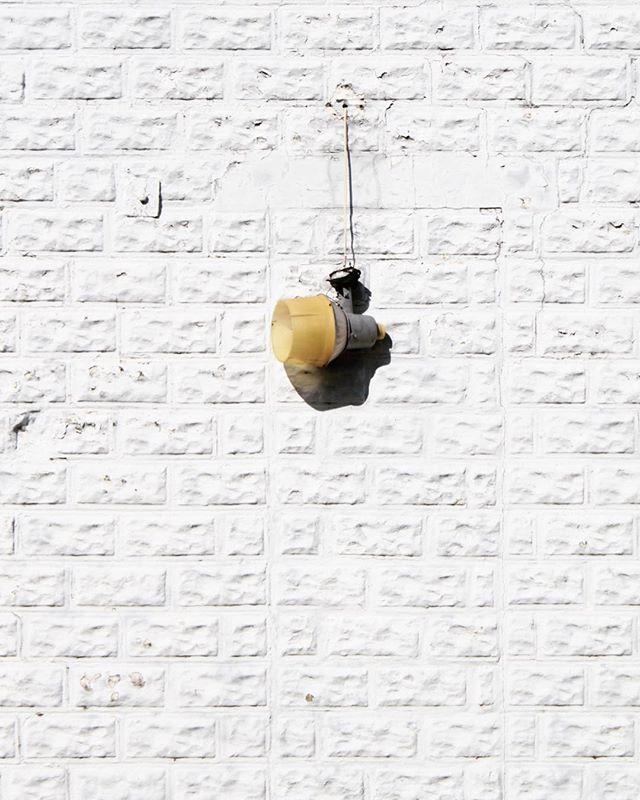 Hanging out. . . . #arch #archi #archilover #archilovers #architecture #architecturephotography #gominimalmag #interiordesigner #minimablu #minimalmonday #design #designer #realgoodmag #inspo #minimalism42 #okcalmcollective #fndit #thisaintartschool #photographer #designphotography #inspirationphotography #texture #textural #historicalarchitecture #historicalbuilding #rsa_minimal #lookupotd #arkiminimal