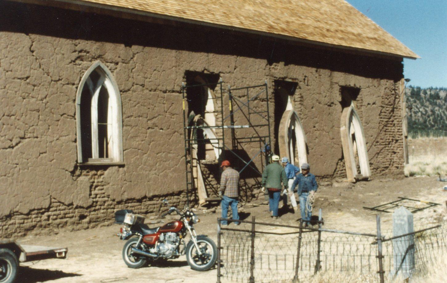 2-Feb-begin-window-removal-for-restoration-Photos-Ed-Crocker622.jpg