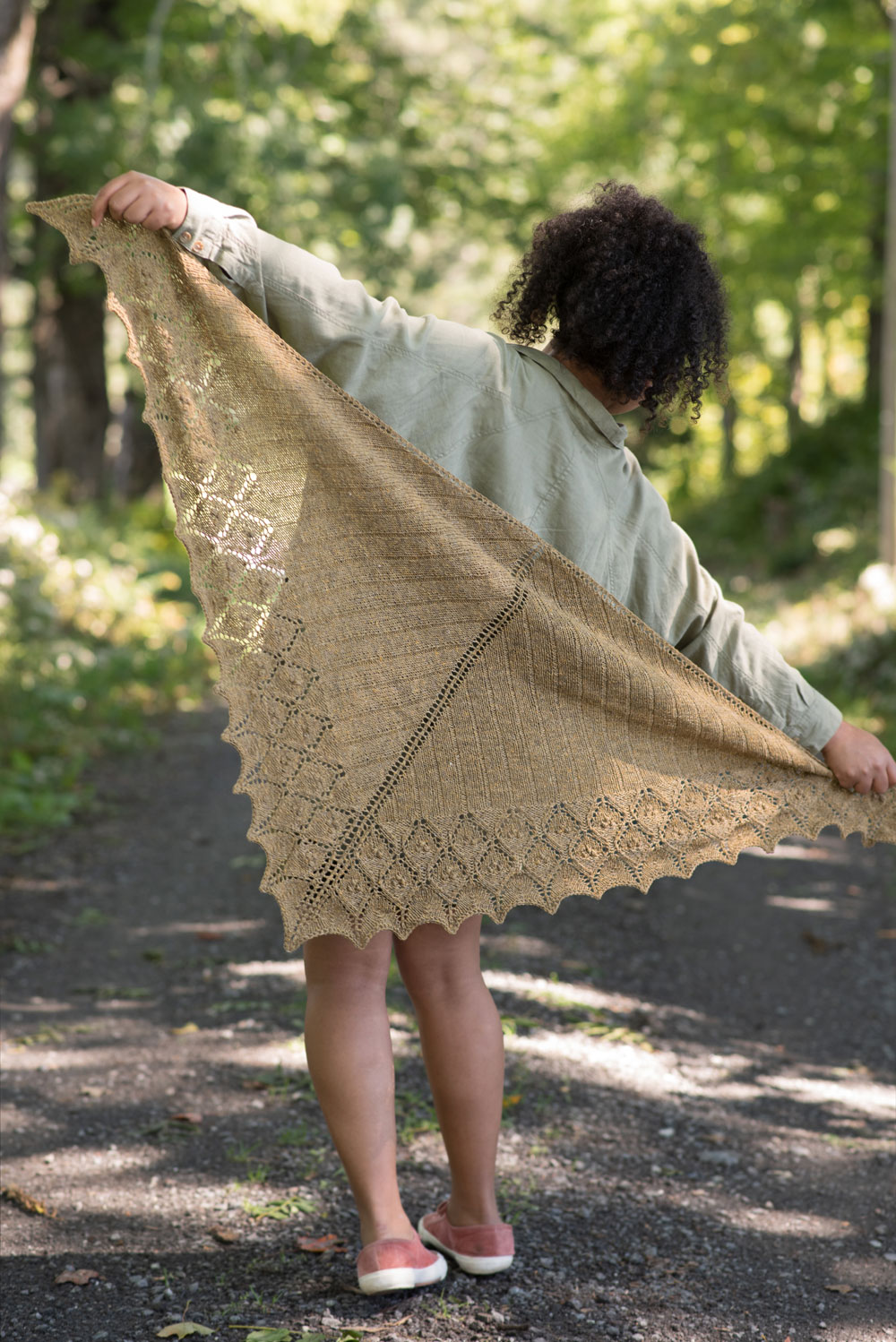 Catharus Shawl , by Bonnie Sennott (photo: Gale Zucker)