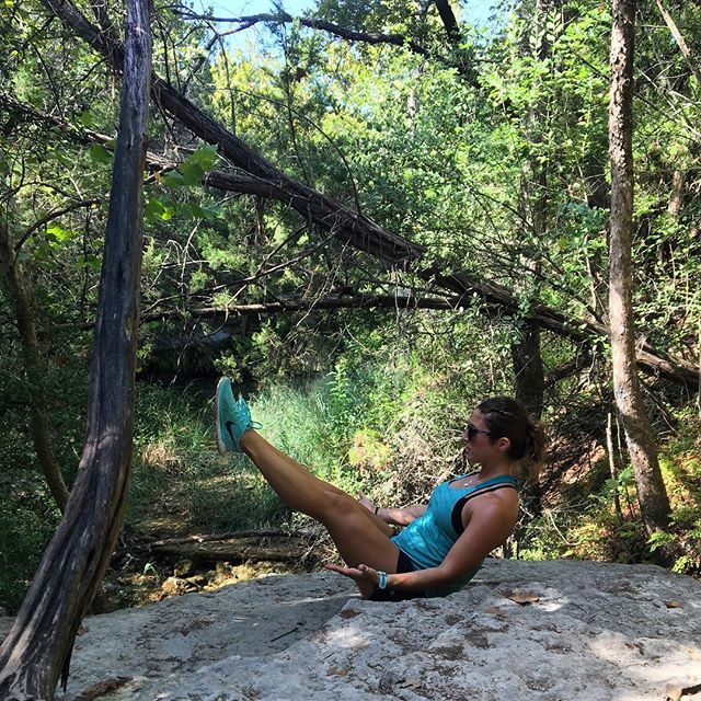 Throwing back to my favorite #boatpose aka #navasana ... because this is totally normal when hiking in Austin, right? 🙃 #invertedcore #keepaustinweird