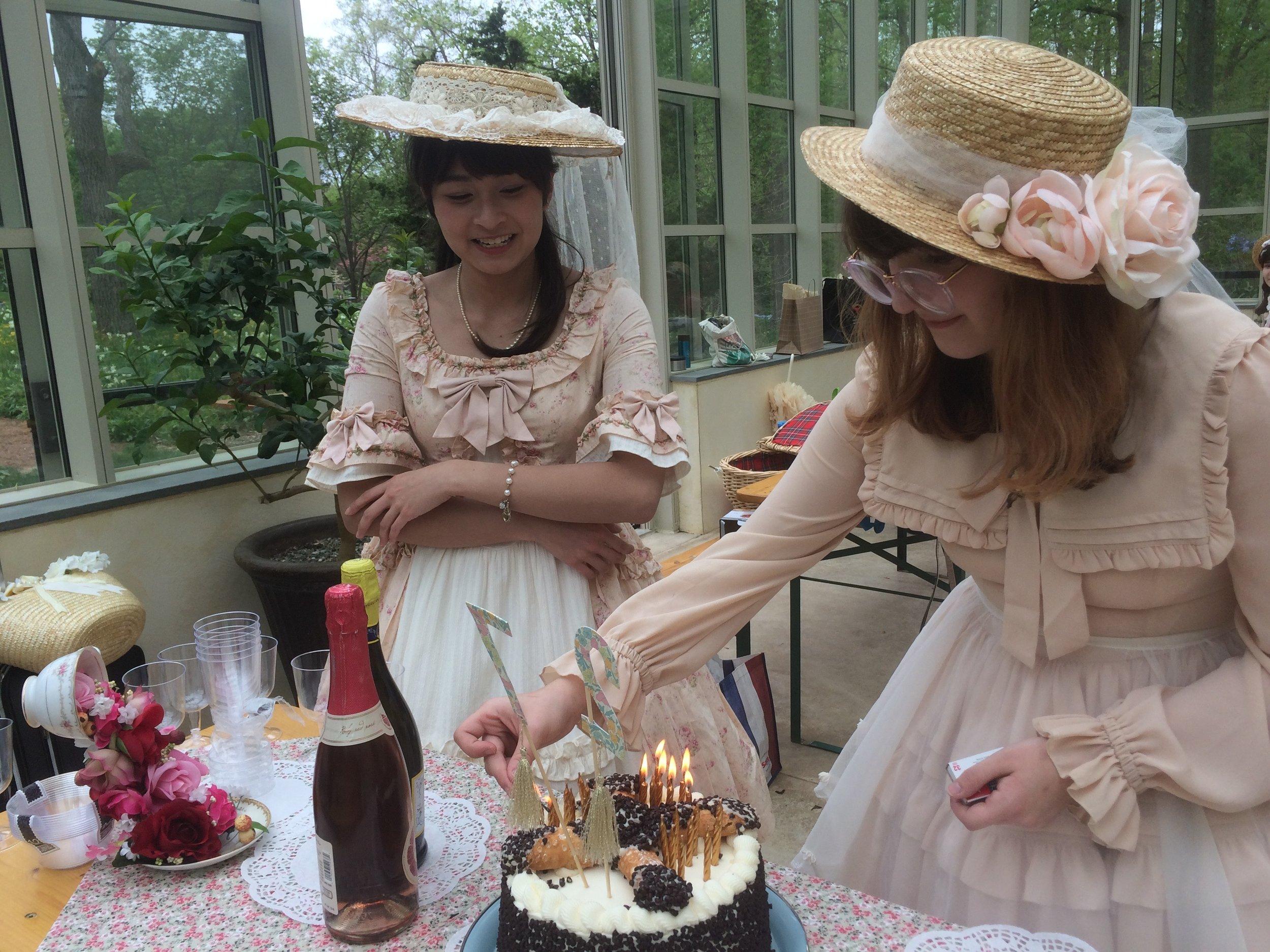 Frilladelphia Hosts Tea Blending Party