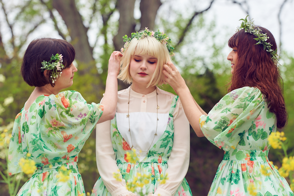 Little Ida's Flowers by Cottonbook Clothing