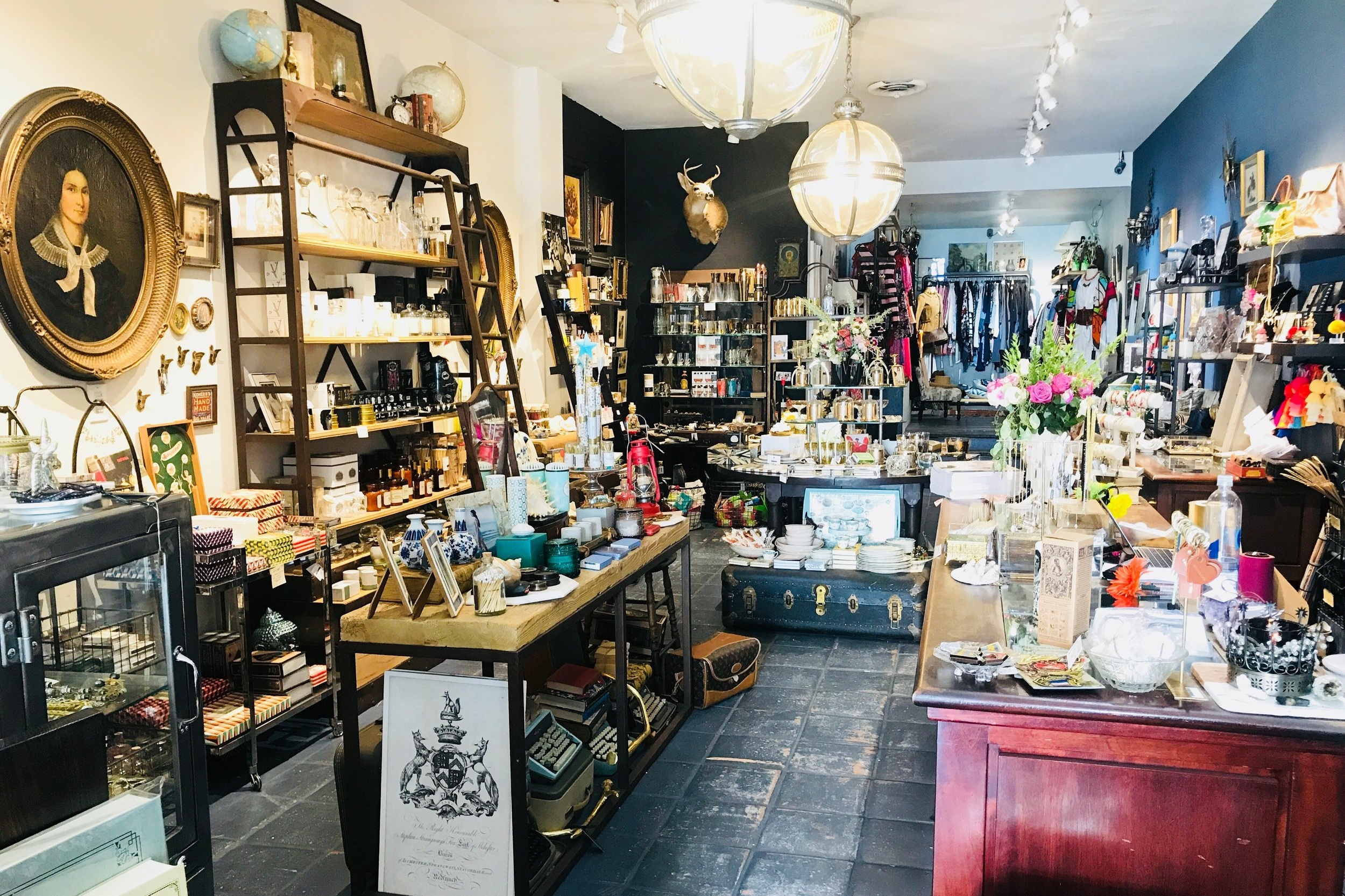 ESPIONAGE - What you'll find: vintage goods, delicate artisan jewelry, mid-century barware, home decor and high-end designer resale clothing.West Hollywood: 7456 Beverly Blvd, Los Angeles, CA 90036