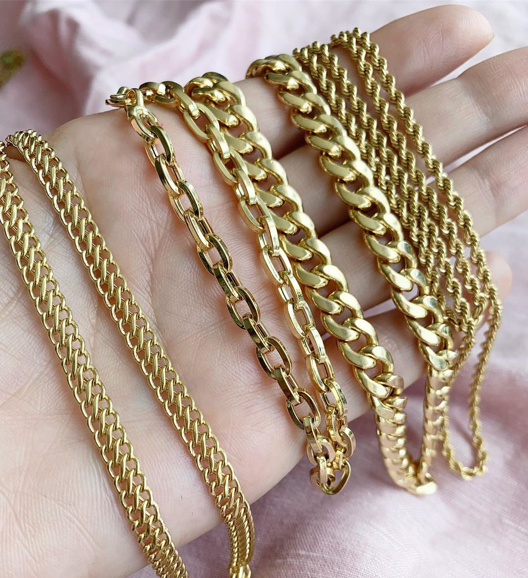 Julio Cuellar Jewelry - In case you haven't heard, a thick gold chain is the next It piece, and no one makes them better than Julio Cuellar. With all different links, weights, and lengths you are guaranteed to find the perfect single or stack for your style.