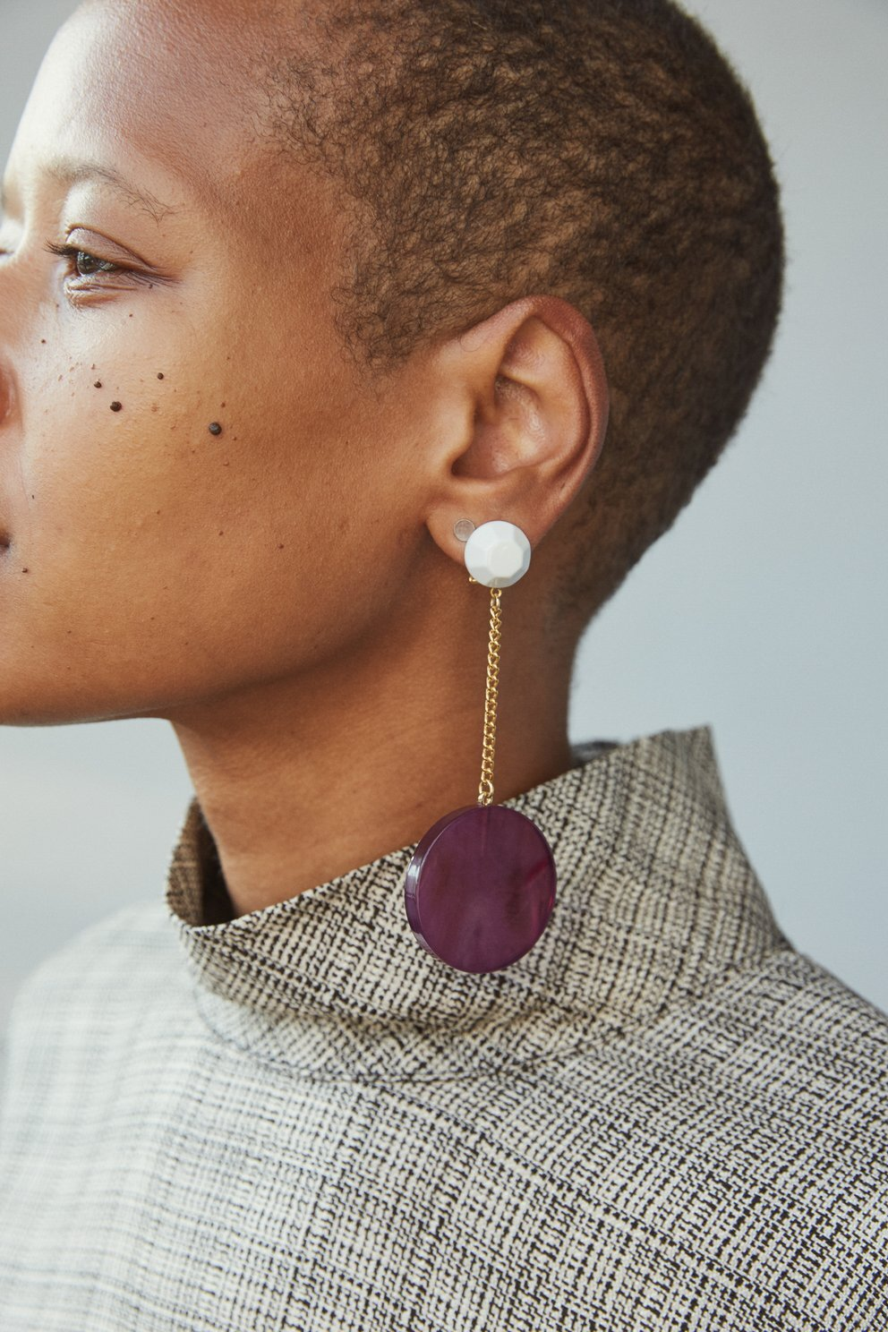 Rachel Comey - Pendulum Earrings / $160Ah, Rachel Comey, you've done it again. These timeless earrings are the perfect balance of modern elegance and simplicity while providing just a baby burst of color to any outfit.