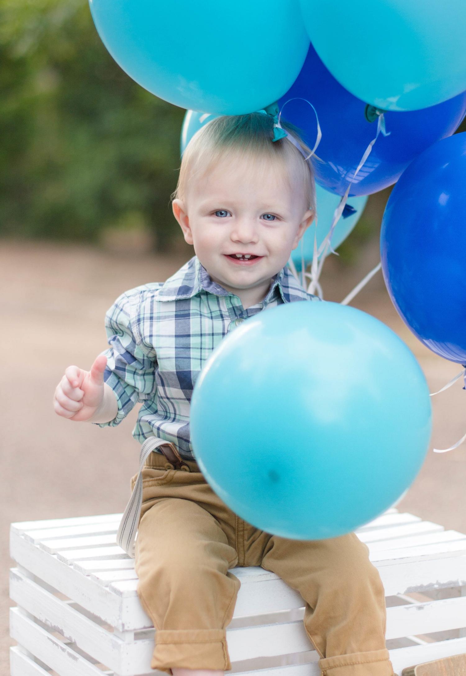 baby_boy_birthday_balloon.jpg