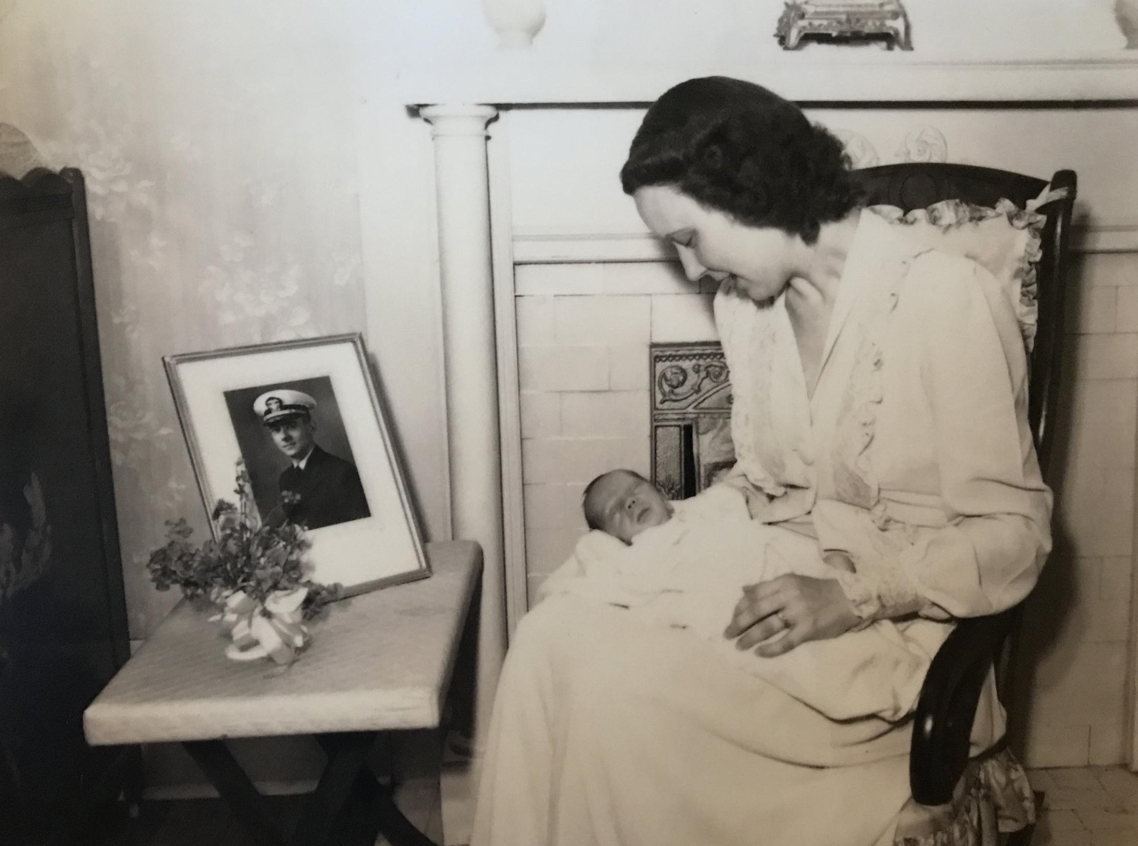 Earl Henry and family.jpg