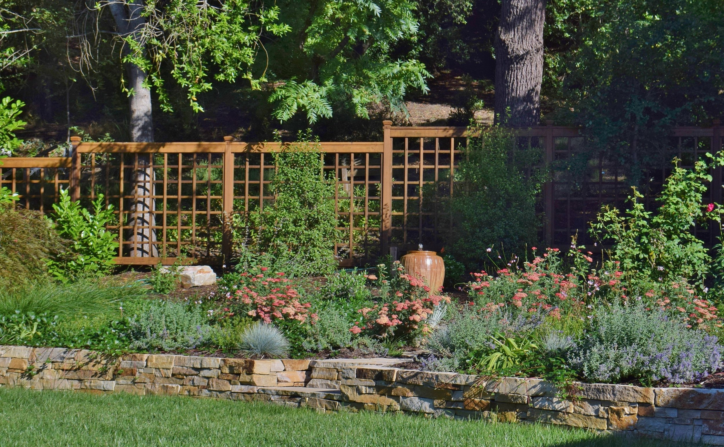 Fine stone & wood creations to distinguish your garden.