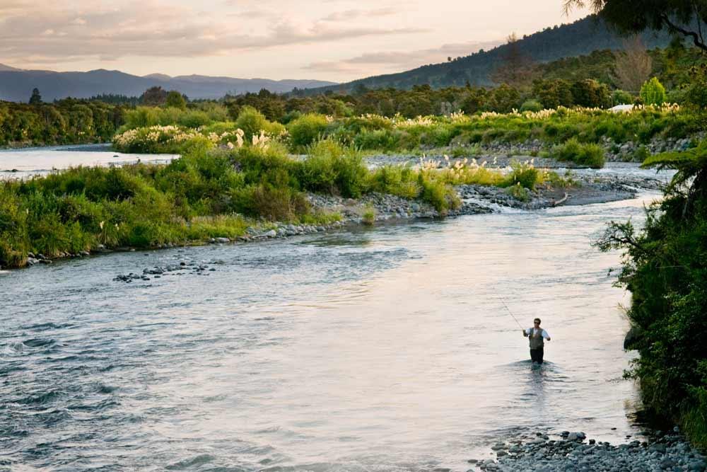 Fishing-NZ_iStock-161843534.jpg