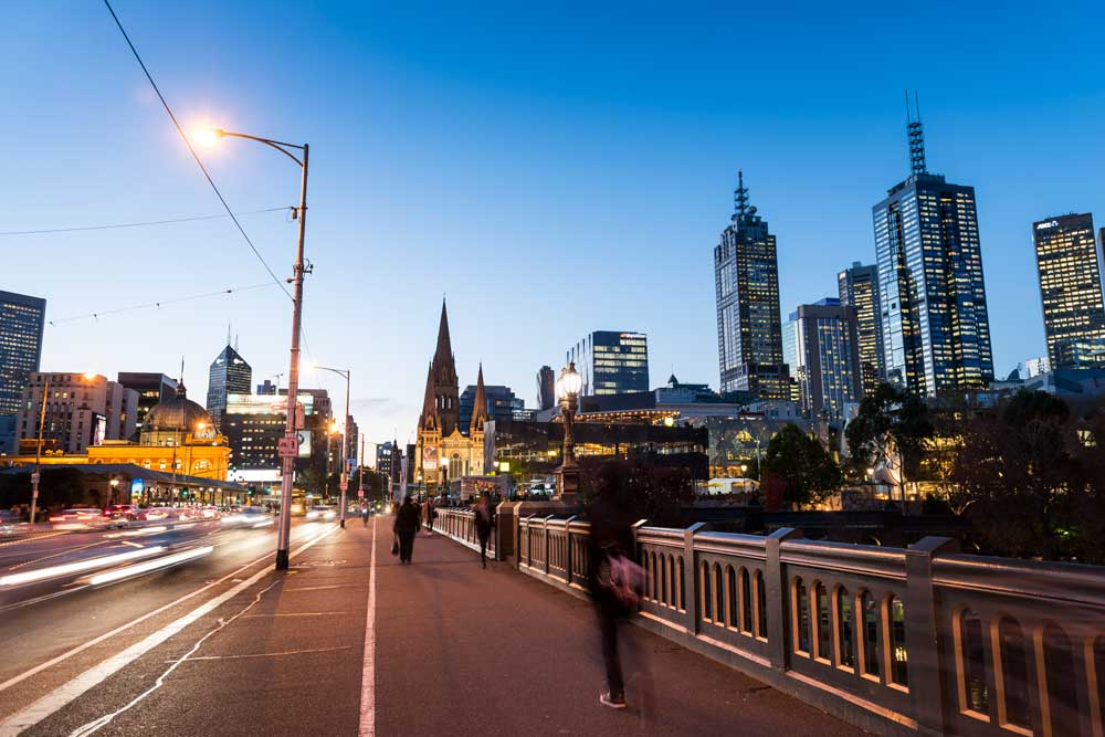 Melbourne_Princes-Bridge_VisitVictoria-(9).jpg