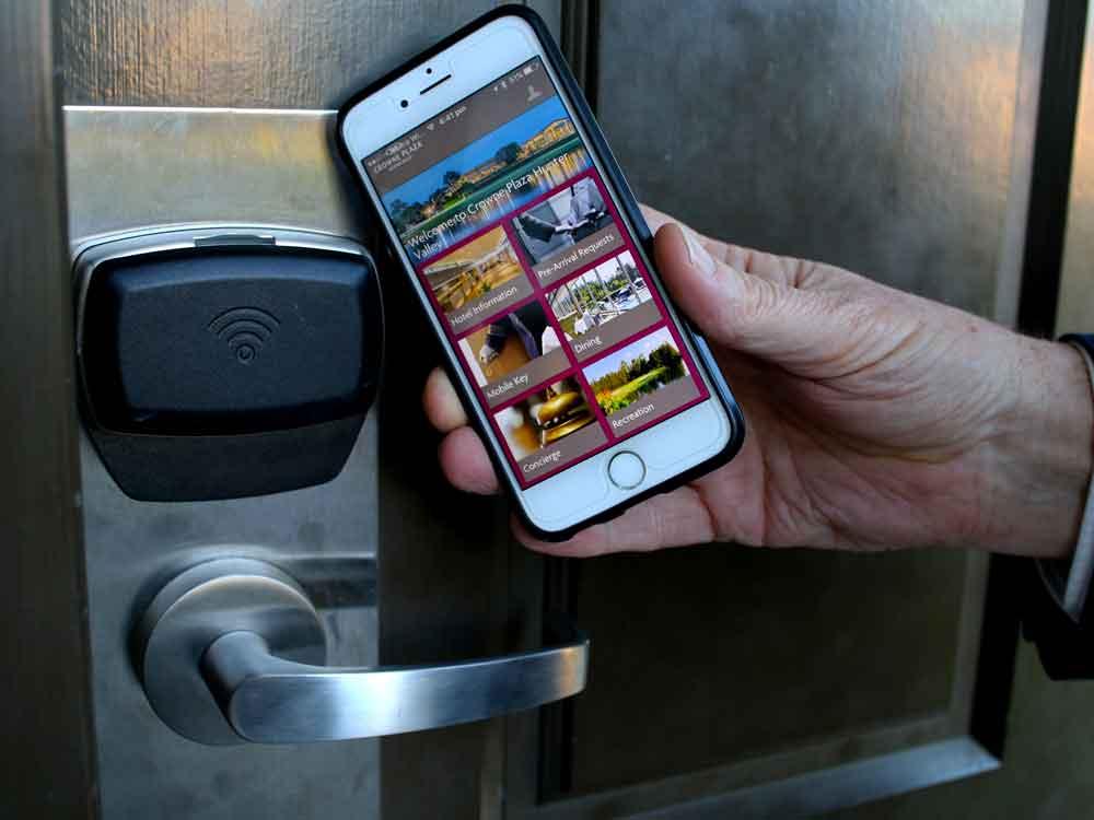 Crowne-Plaza-Hunter-Valley-'mobile-key'-entry-hi-res.jpg
