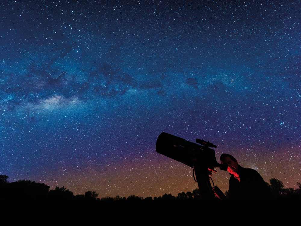 Stargazing-in-Charleville_TEQ.jpg