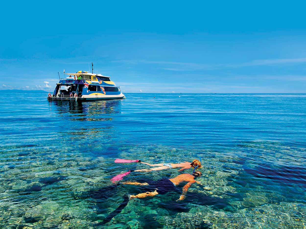 HR_GBR_Snorkeling-on-Opal-Reef-Tourism-and-Events-Queensland_126132_FUNFREETHINGS_.jpg