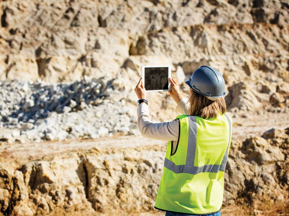 Mining_tech_Woman.jpg