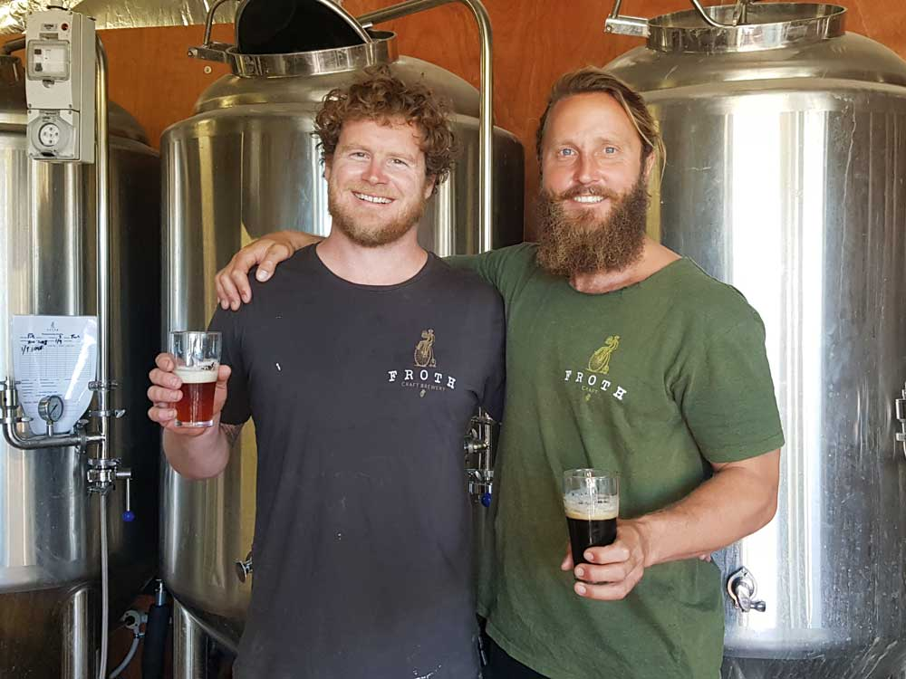 Froth-Craft-owners-in-brewing-area---Tyle-Little-(Brewer,-left)-&-Pete-Frith-(Restaurant-manager,-right).jpg