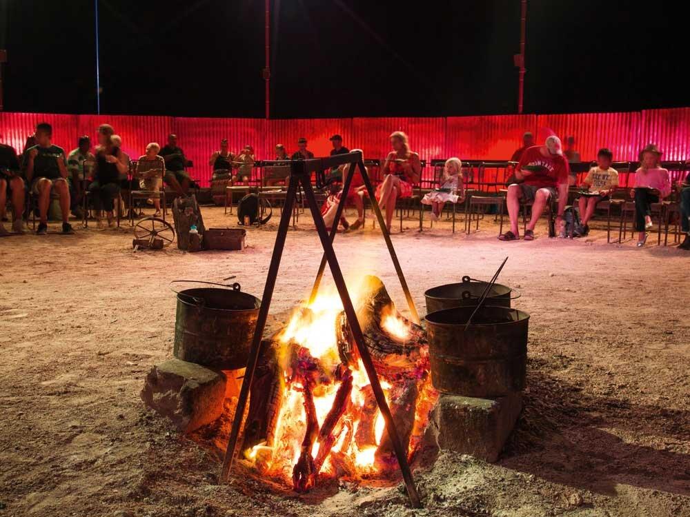 outback-pioneer-dinner-credit-TEQ.jpg