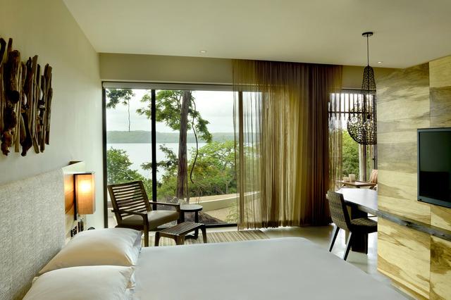 LIRAZ_P060_Guestroom_View_64095.adapt.640.jpg