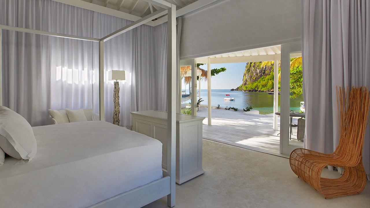 vsb-luxury-beachfront-bungalow-4776-1280x720.jpg