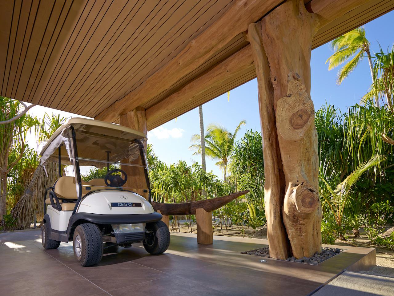 BRANDO_Golf-car.jpg
