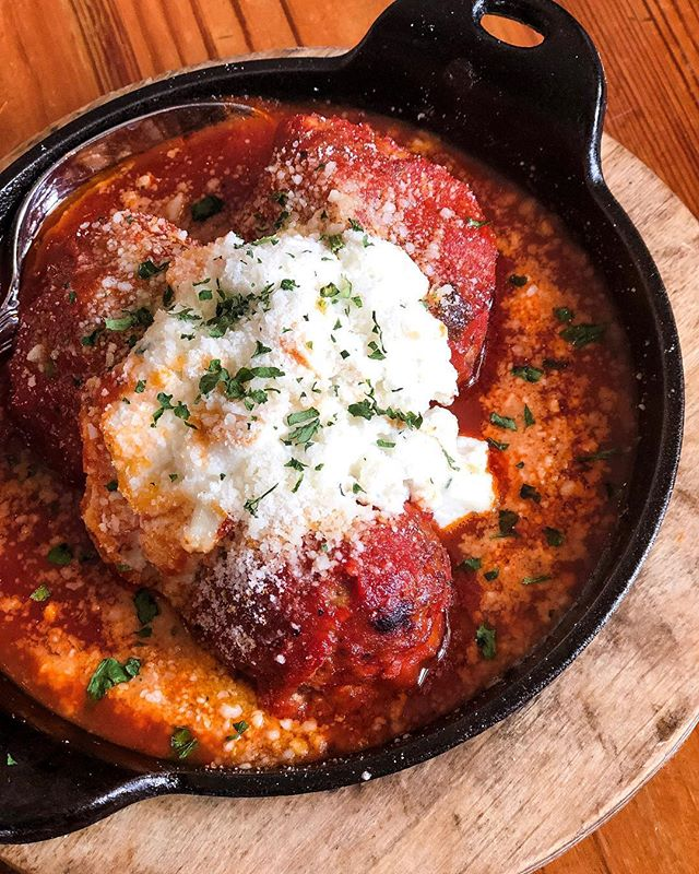 Celebrating #nationalmeatballday with Touch of Italy ❤️🇮🇹 Join the celebration by stopping in to @touchofitalylewesde to enjoy their delicious meatballs 6 different ways! 📸: @blondecravings
