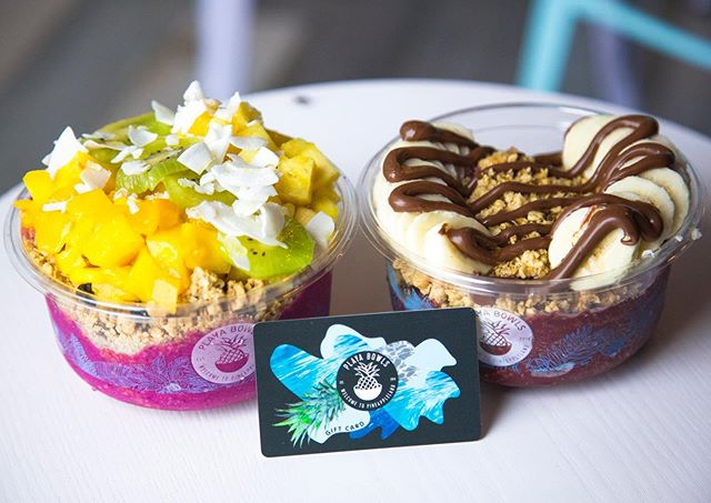 CALLING ALL AÇAÍ LOVERS! We have paired up with our friends at @playabowlsrehoboth for a giveaway just in time for the 4th of July! Want to win a $25 Playa Bowls gift card? Here are the rules ⤵️ 1. Must be following @blondecravings and @playabowlsrehoboth 🍍 2. Must like this photo on both of our pages 🙌🏼 3. Tag 3 friends in the comments 🧜🏼♀️🏄🏼♂️🙋🏽♂️ Giveaway will end Monday, July 1st, 2019 and will be announced July 2! 🍍🧜🏼♀️💜🌊
