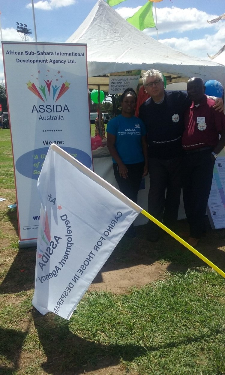 ASSIDA Patron and members working friendly