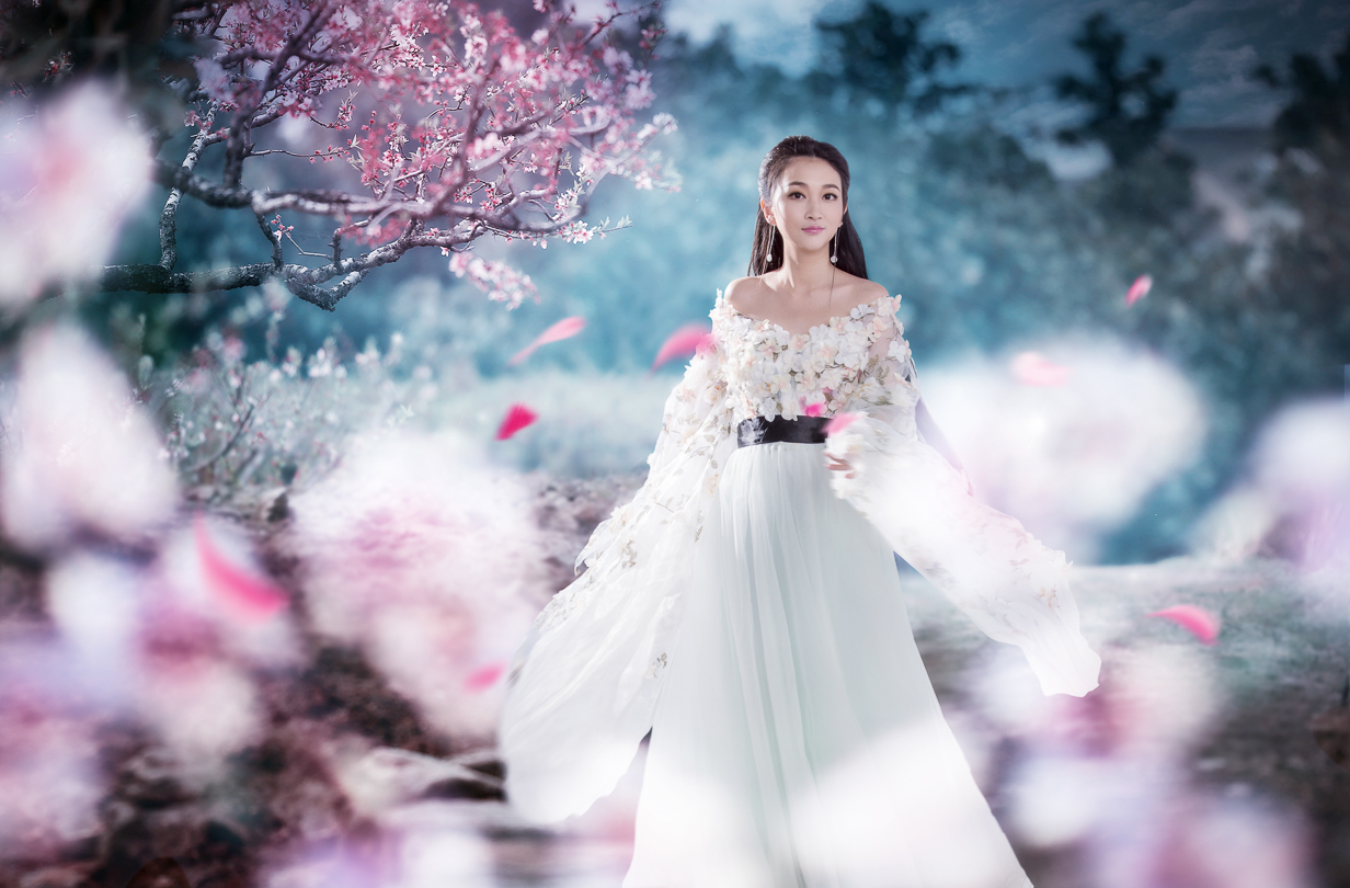 Chinese Epic Series - Ten Miles of Peach Blossoms Inspired shoot