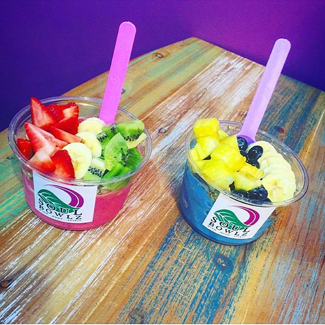 Yes please!  #pitaya #bluemajik #dream #ocean #fresh #fruit #yum #canihaveboth #yesplease #delicious #gulfshores #mobile #fairhope #alabama #gulfcoast