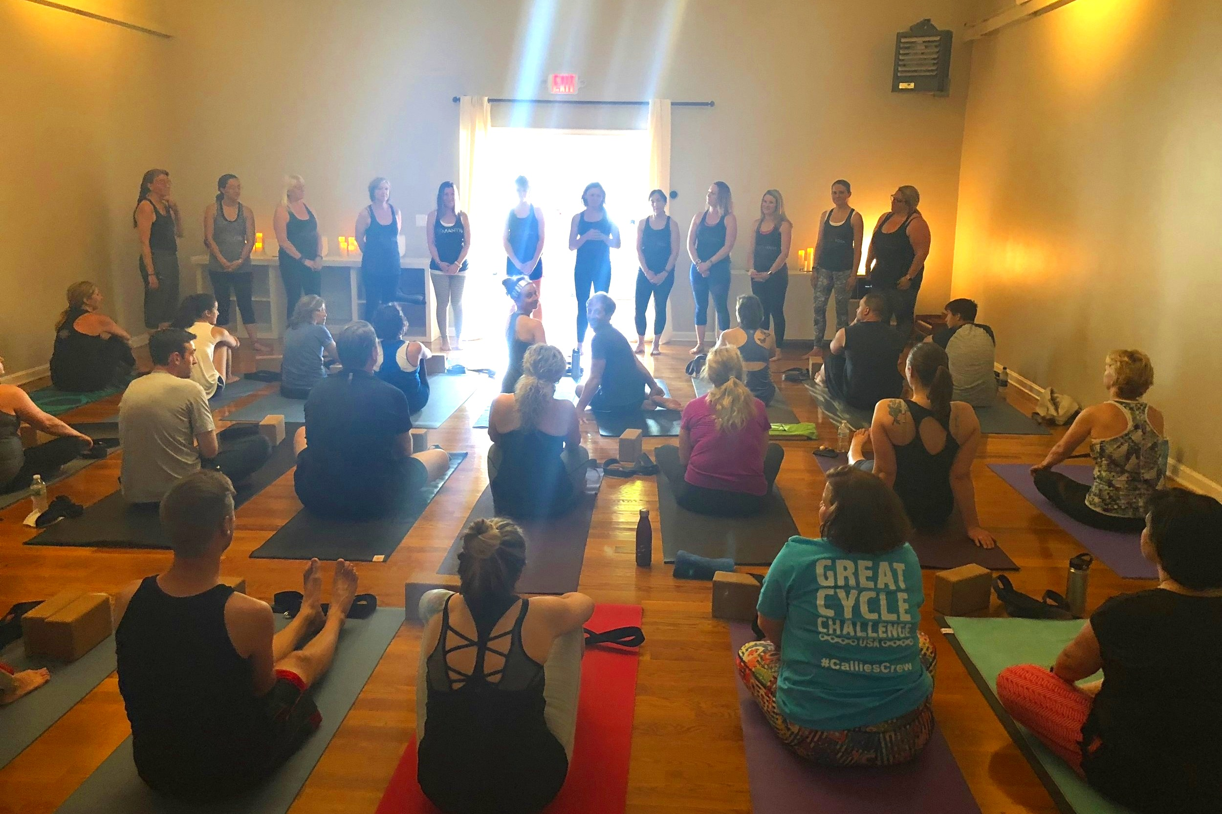 Seva for charity : Mantra Yoga Teacher Training Graduation 2018