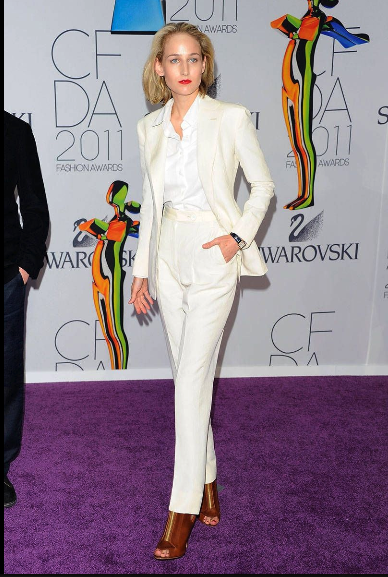 LeeLee SobieSki Wearing a white ivory suit to the 2011 awards.