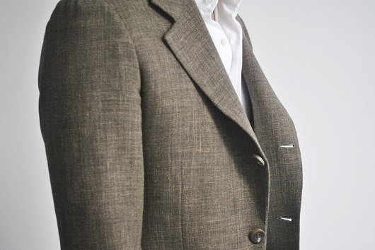 A FULLY #MADEMAN: A full-canvassed lapel roll drapes nicely against the wearer's body PHOTO:    Made Suits   ).
