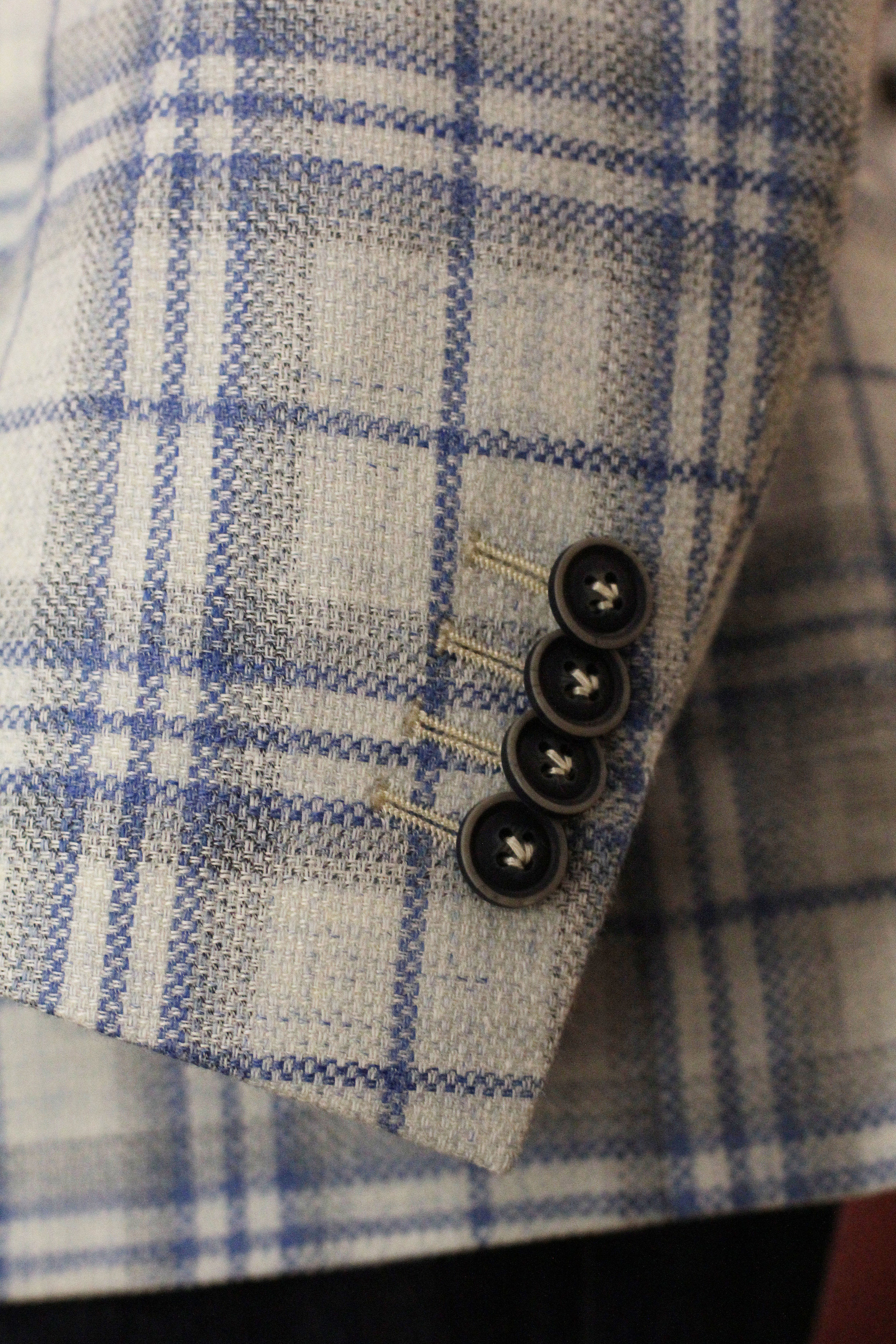 Kissing Sleeve Button (functional)
