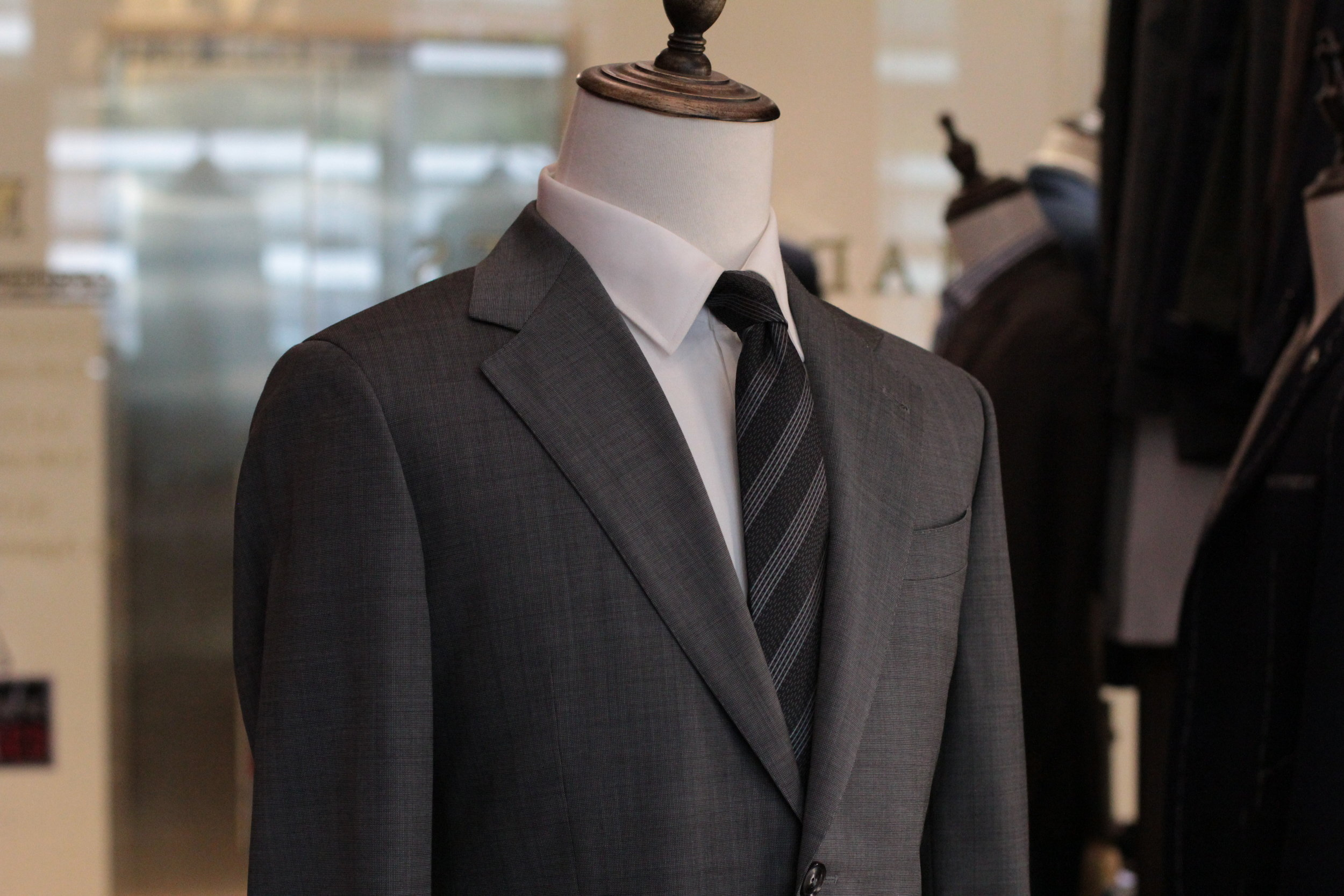 Mr Barbera Made Suits | Made to Measure Suits |Bespoke Singapore Tailor STYLBIELLA Lining Pattern notched lapel.JPG