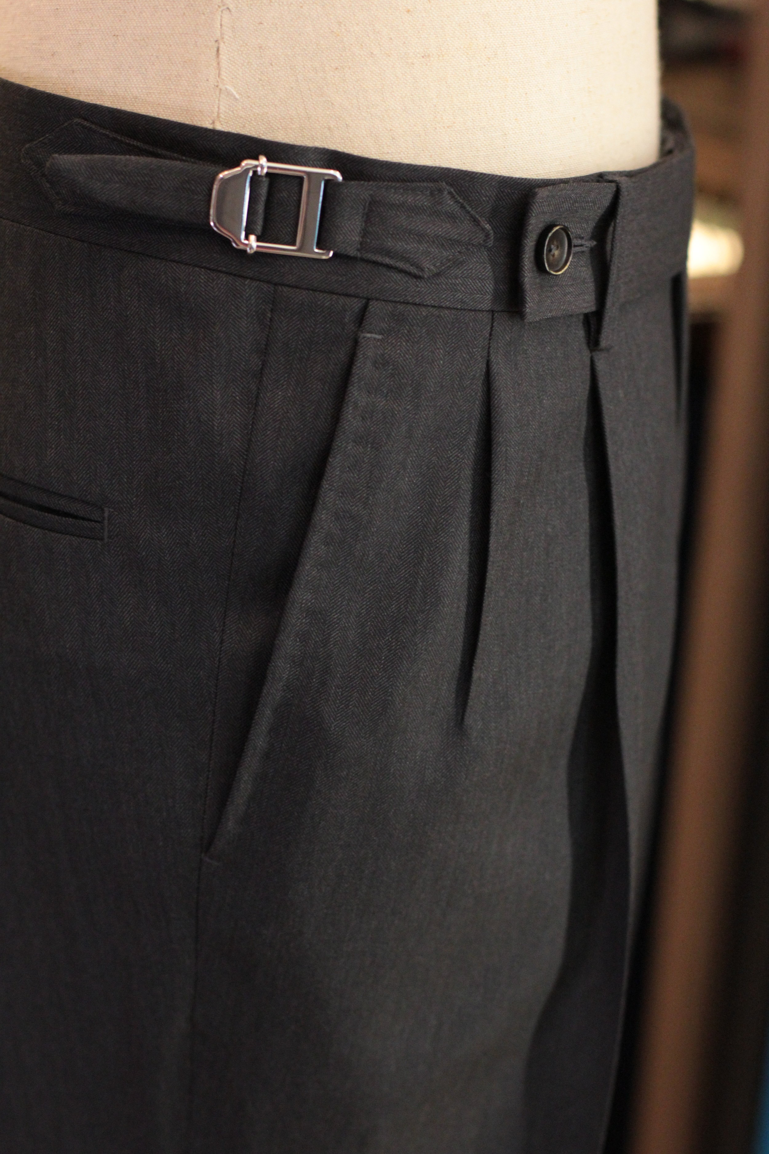 Silver Side Adjusters + Double Pleated Front. for more vintage look.