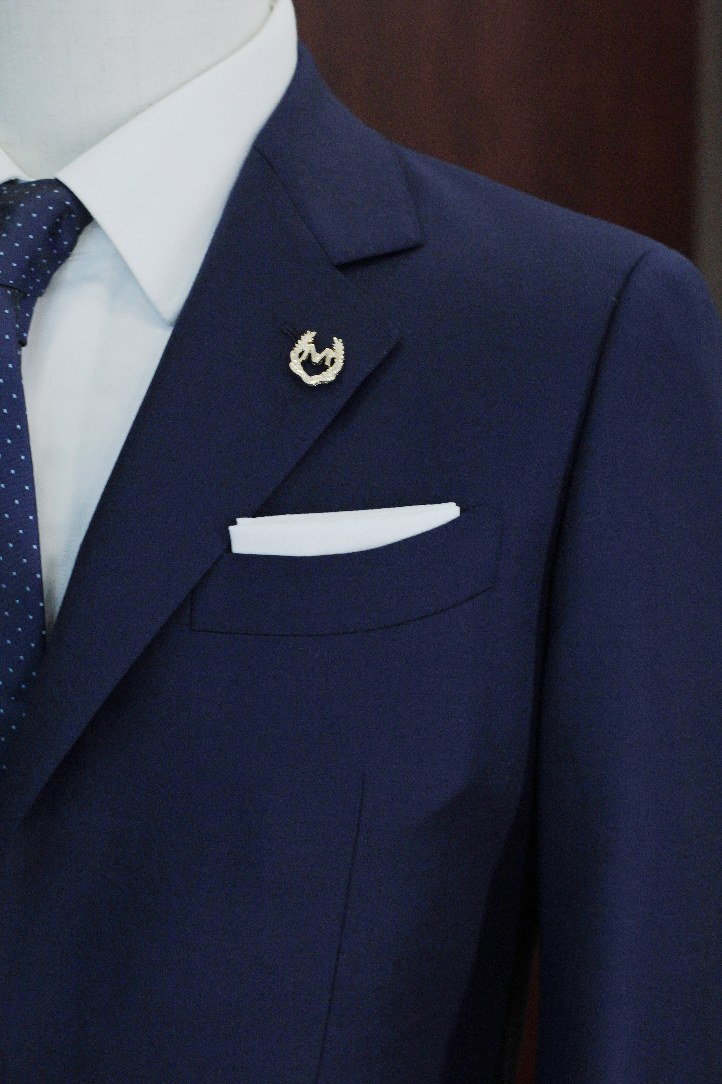 Notched Lapel with ship shape pockets