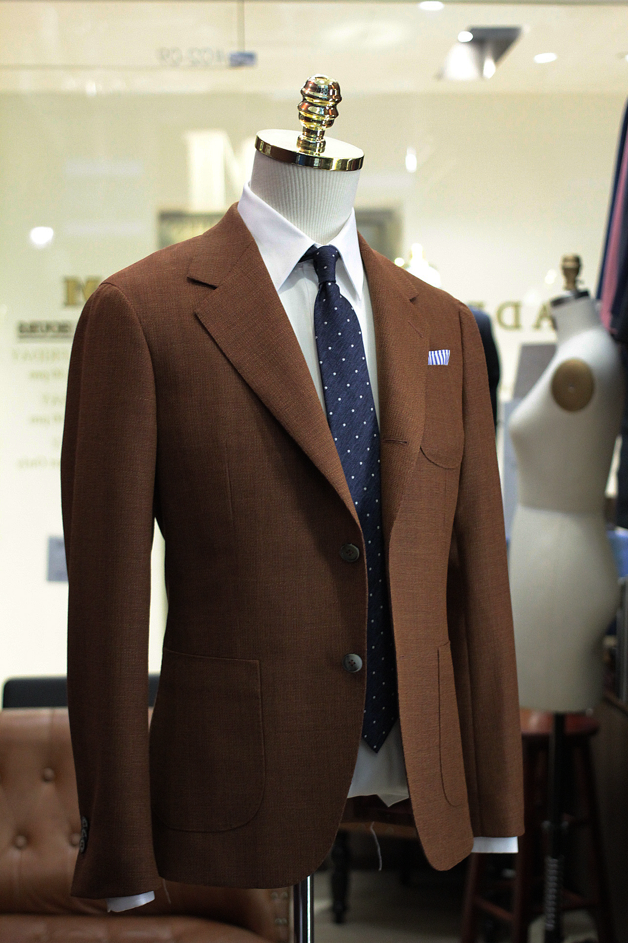 Miami | Made Suits by MESH Blazers HS1730 by Holland & Sherry Hopsack side view.JPG