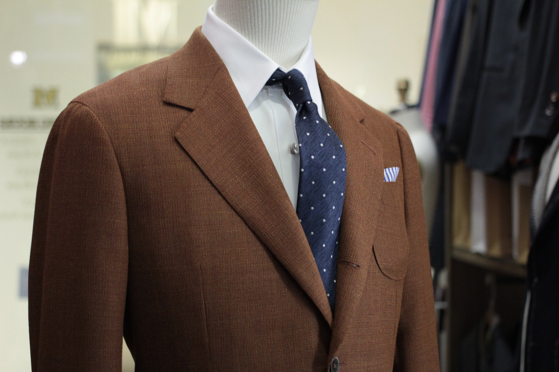 Miami | Made Suits by MESH Blazers HS1730 by Holland & Sherry Hopsack side view zoom.JPG