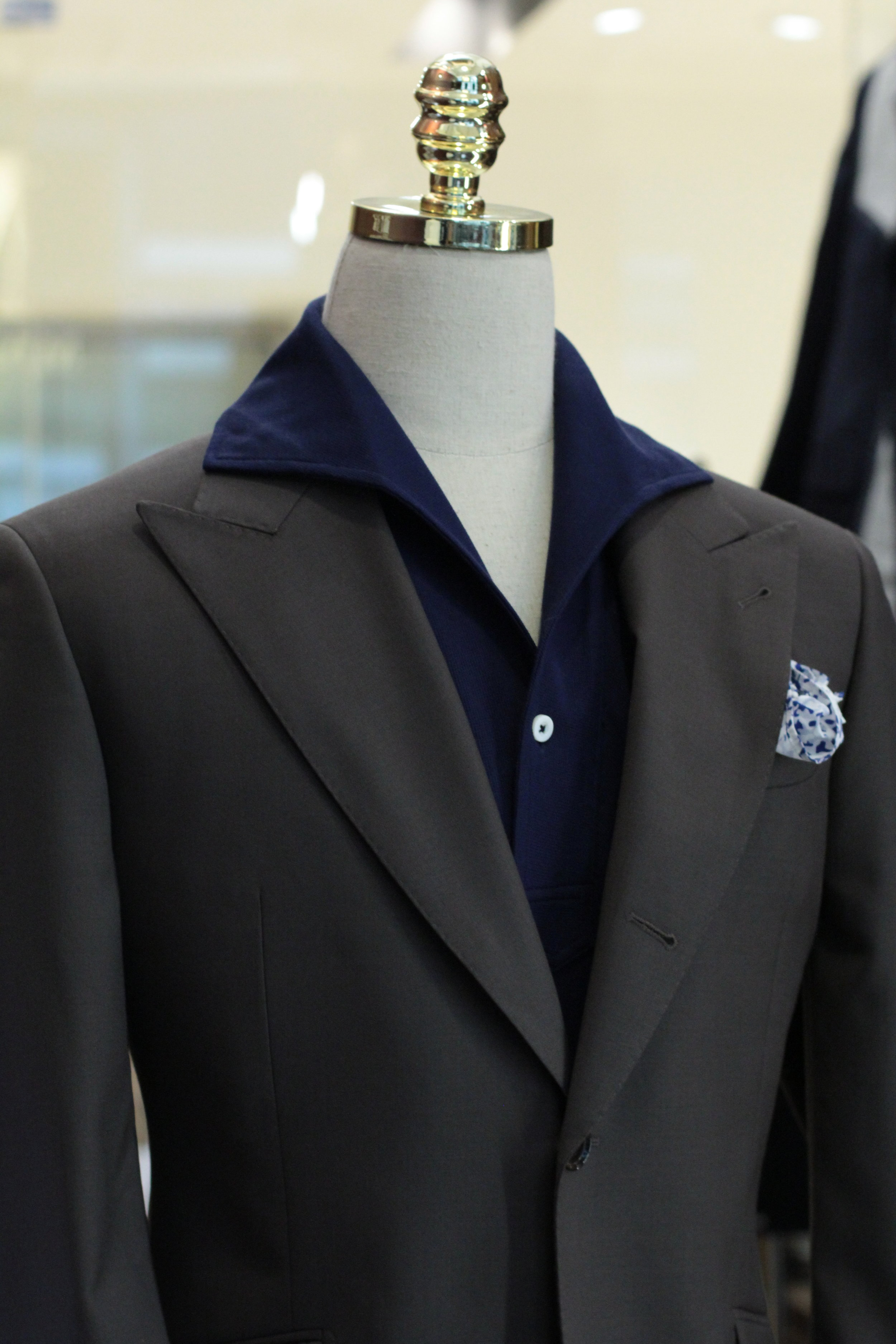 The Artisan | Made Suits | Singapore Made to Measure | Bespoke Tailor side front.JPG