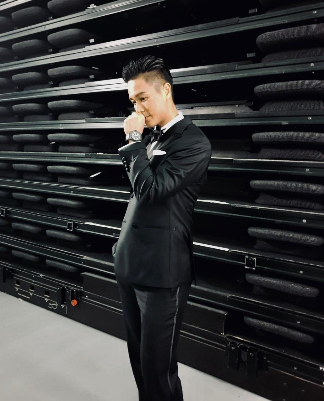 Made Suits X Andie Chen for star-awards-2019---walk-of-fame-红星大奖2019---星光大道 side.jpeg