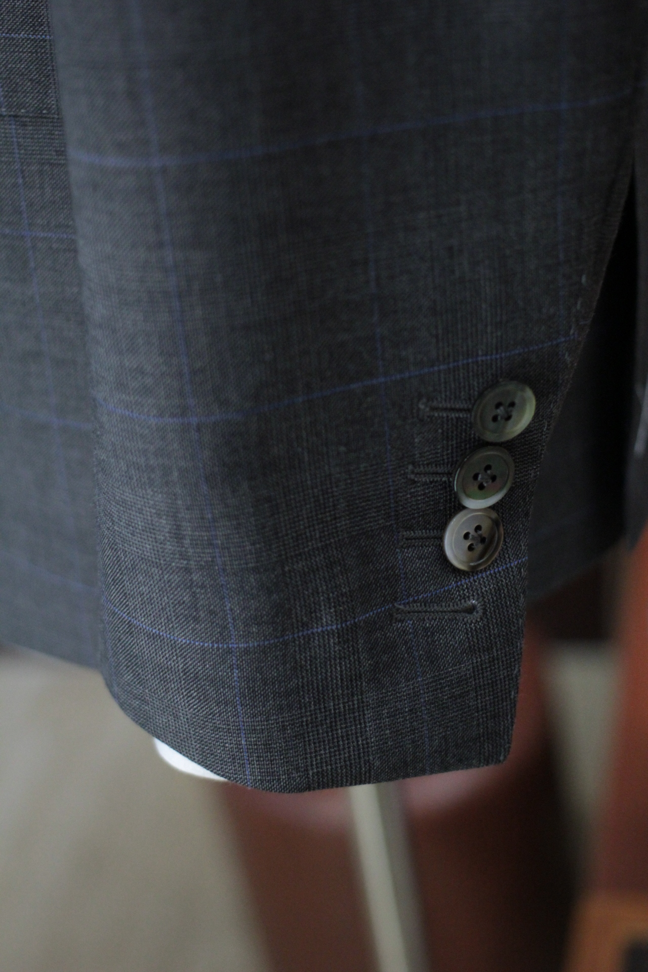 Functional Sleeve buttons with mother of pearl